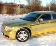 Аренда на свадьбу лимузина Chrysler 300C (Rolls-Royce) белого цвета.