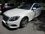 Самый крутой кортеж в Астане из черных и белых Mercedes-Benz