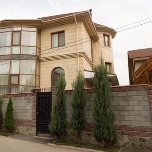 Коттеджи-виллы в Алматы и Астане по 400-500 долларов посуточно