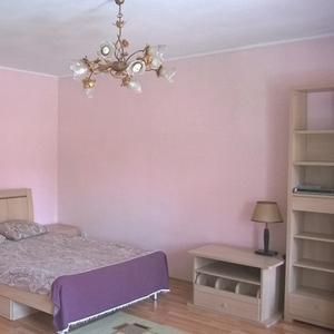 Посуточно в центре Алматы 1-комн квартира Абая-Кунаева