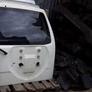 Крышка багажника  Mitsubishi Pajero3