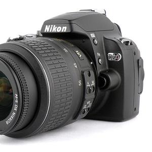 Продам фотоаппарат Nikon D60. Цена дог. Звоните или пишите в WhatsApp