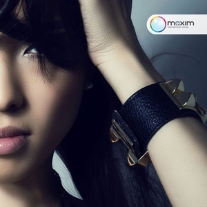 Впервые в Казахстане известный корейский бренд цветных контактных линз