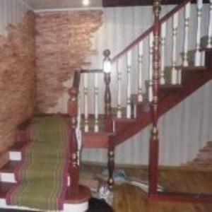 Изготовление деревянных лестниц, дверей, беседок и др.