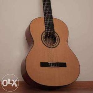 Продажа гитары  87474449648