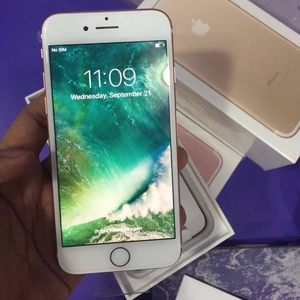 Apple iphone 7 розовое золото последняя модель - 128 гб