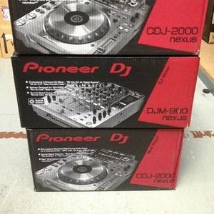 2 x Pioneer CDJ-2000 Nexus & 1x DJM 900 Nexus Mixer + Coffin Case