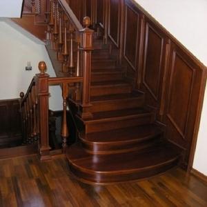 Изготовление лестниц. Недорого