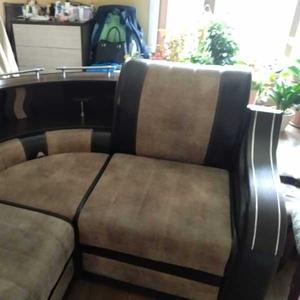 Продам кожаный диван в отличном состоянии